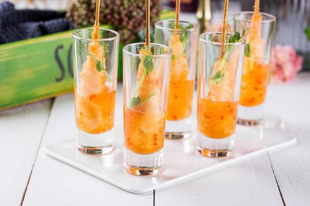 Тигровая креветка в темпуре с соусом сладкий чили